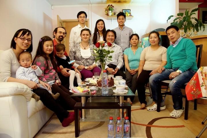 tiskova zprava rodina od vedle slovo21